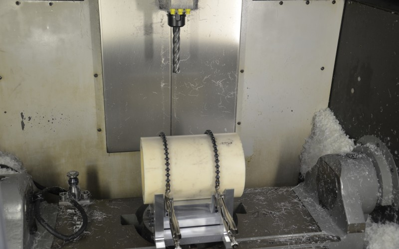 Five-Axis Milling Precision for Large Customized Wind
